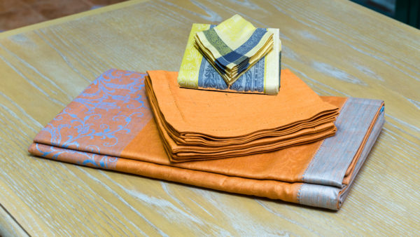 napkins -from-linen -with -vainica