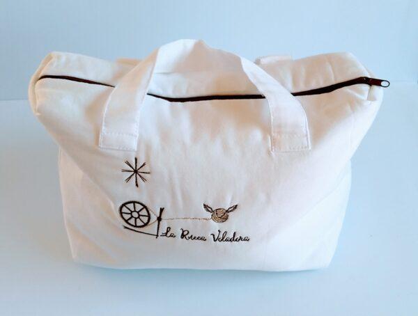 travel-cosmetics-woman-bag